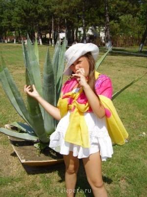 Умная и артистичная девочка,любит участвовать в шоу и драйв  - лера в мексике.JPG