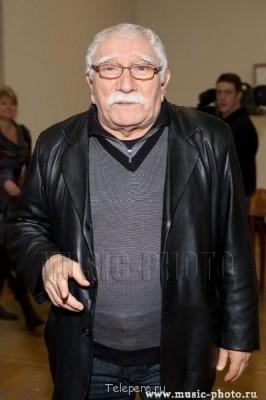 12 месяцев Дублер Армена Джигарханяна с 26.08.12 - p0000003.jpg